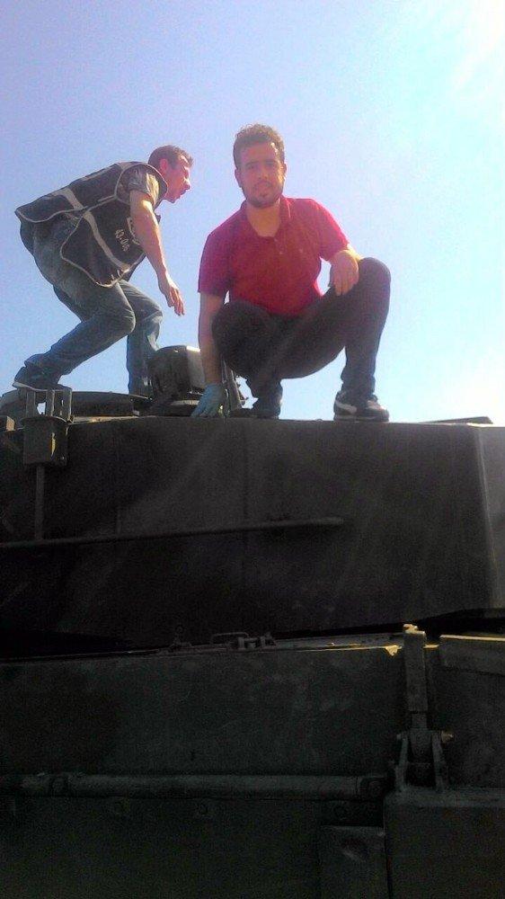 Tankları Şehitler Köprüsünden kaldıran genç o anları anlattı