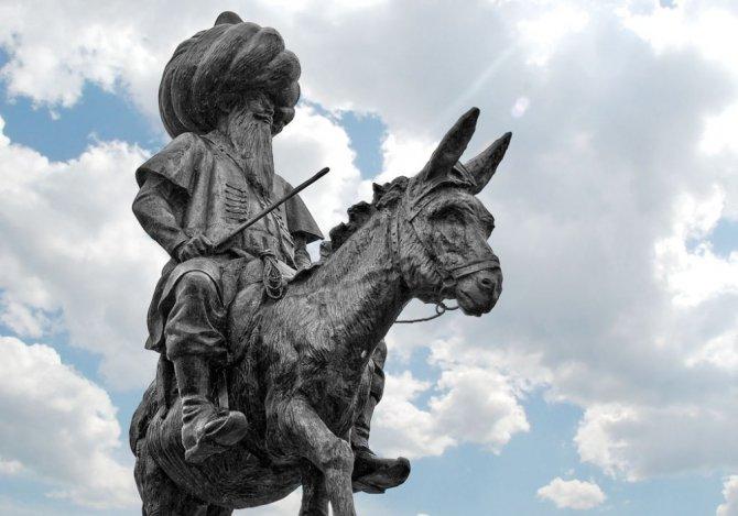 Nasreddin Hoca heykeline tepki