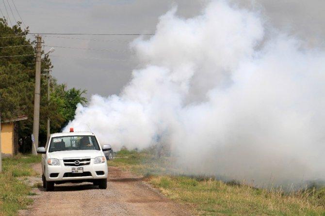 Aksaray Belediyesi 48 mahallede ilaçlama çalışmalarını sürdürüyor
