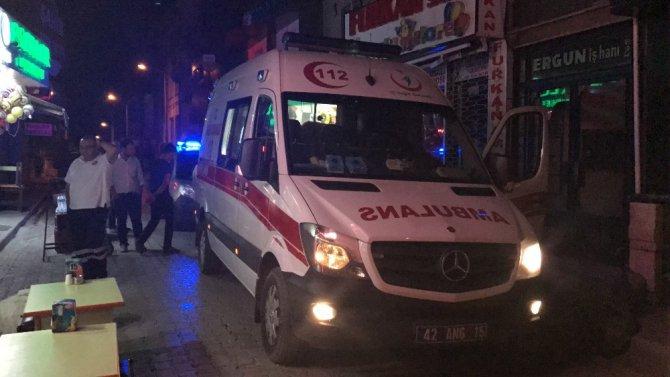 Konya'da 18 yaşındaki genç sokak ortasında bıçaklandı