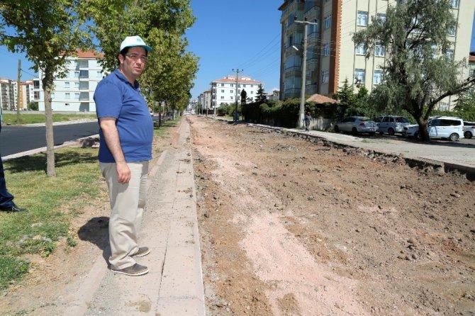 Aksaray Belediyesi şehrin her bölgesinde asfalt çalışması yapıyor
