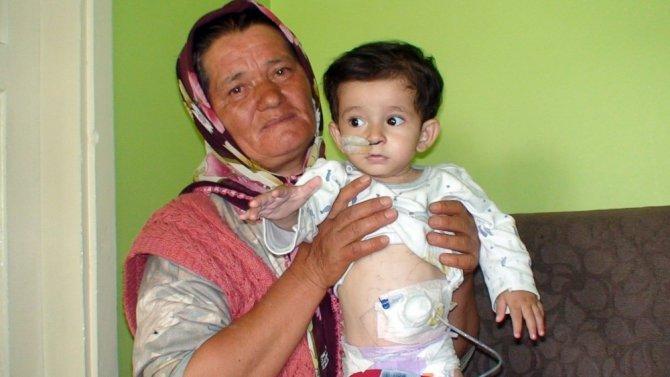 Oğlunun sağlığına kavuşması için televizyona çıkan annenin yuvası yıkıldı