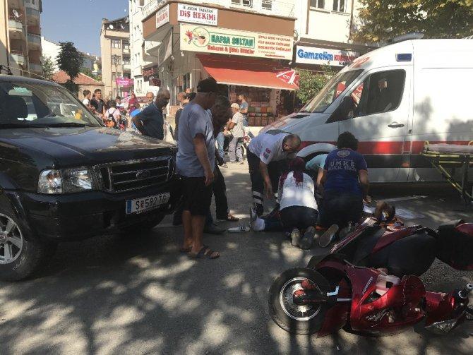 Kamyonet elektrikli bisiklete çarptı: 1 yaralı