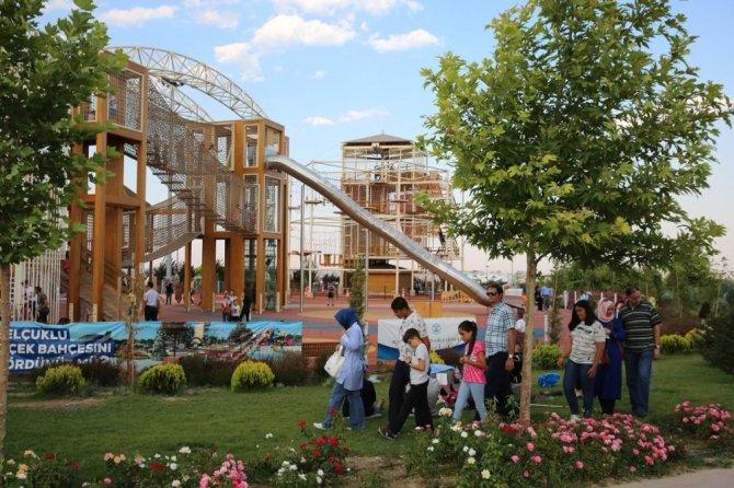 Kelebekler Vadisi Parkı hafta sonu binlerce misafiri ağırladı