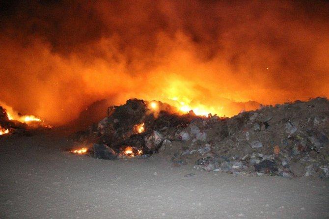 Moloz çöplüğünde yangın