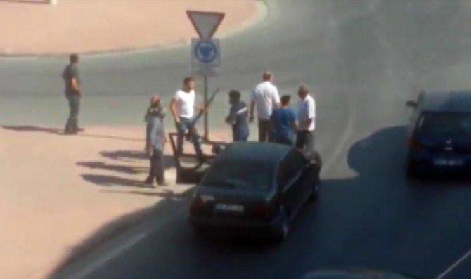 Trafikte tartışan sürücü av tüfeğiyle ateş etti