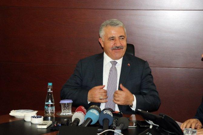 """Ulaştırma Bakanı Arslan: """"Bu ülke dünyadaki mazlumlar ve mağdurlar için de büyümek zorunda"""""""