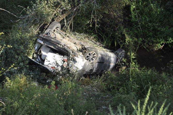 Konya'da otomobil 20 metrelik uçuruma yuvarlandı: 1 ölü 2 yaralı