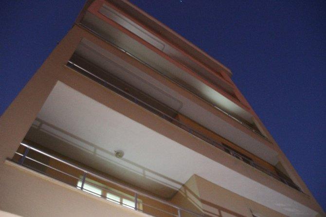 Konya'da 5'inci katın balkonundan düşen 3 yaşındaki küçük kız hayatını kaybetti