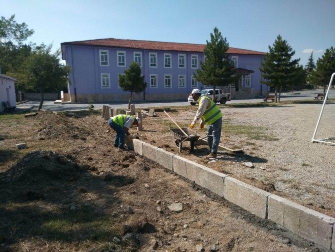 Seydişehir'de okul bahçeleri düzenleniyor
