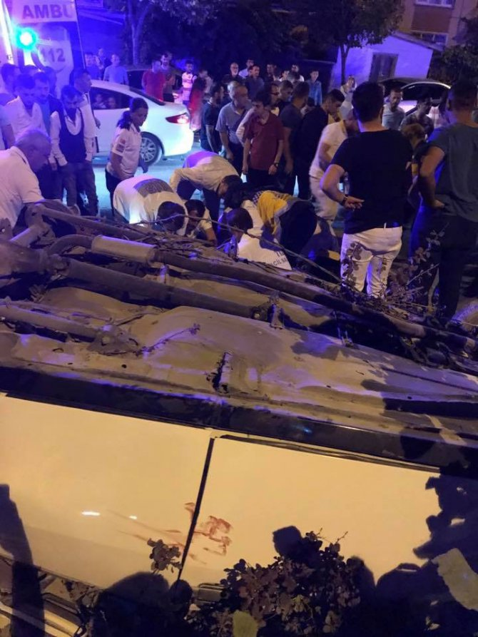 Yayaya çarpan otomobil takla attı: 1 ölü, 3 yaralı