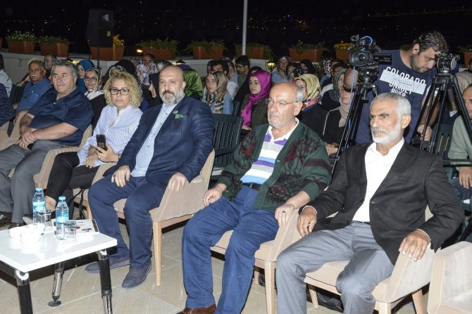 """Abdulhamit Han'ın torunu Osmanoğlu: """"Osmanlı ruhu yavaş yavaş geri geliyor"""""""
