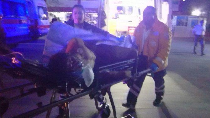 Sırtından bıçaklanan Suriyeli genç ağır yaralandı