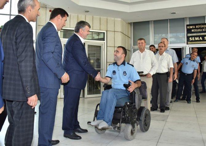 Başkan Akyürek, belediye personeliyle bayramlaştı