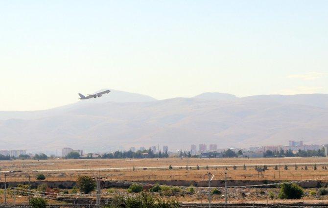 NATO heyeti olarak Konya'ya gelebilen Alman vekiller kentten ayrıldı