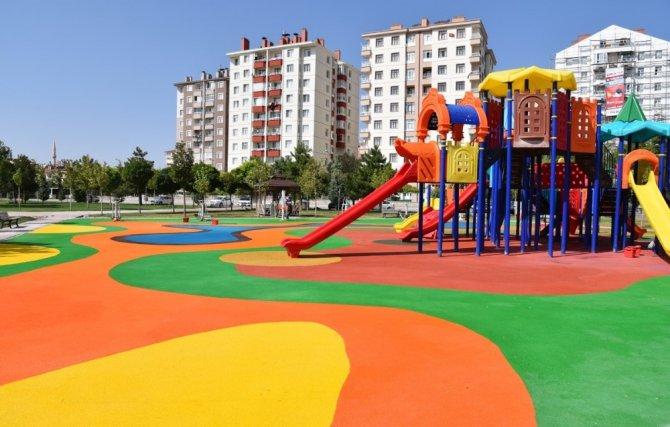 Selçuklu'da çocuk parkları renkleniyor