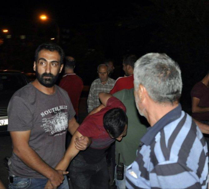 İntihar girişiminde bulunan genci polis engelledi