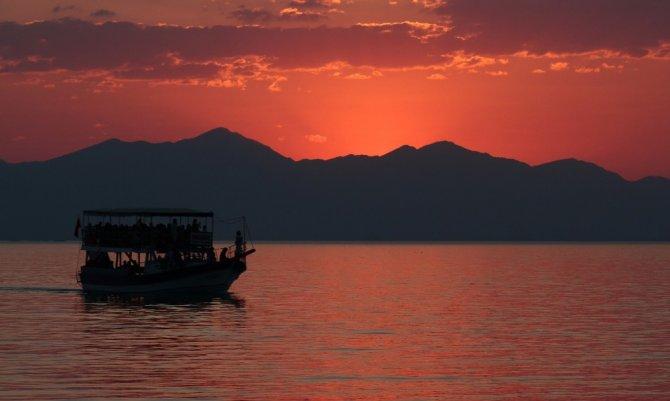 Beyşehir Gölü adaları gezilerle tanıtılıyor