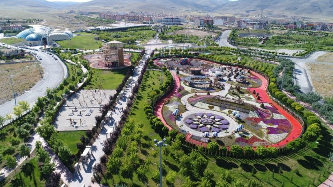 Kelebekler Vadisi Parkına 250 bin ziyaretçi