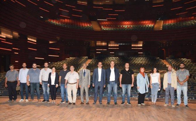 Mimarlar Selçuklu Kongre Merkezini gezdi
