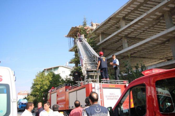 Konya'da inşaatın çatısında kalıp çöktü: 4 yaralı