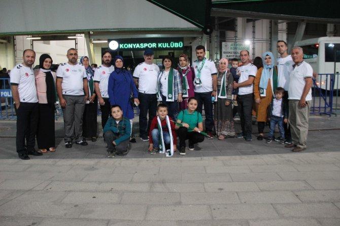 Zonguldaklı madenciler Atiker Konyaspor maçını izledi