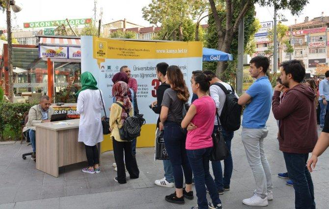 Konya'da öğrenciler ulaşımdan elkart ile 3 gün ücretsiz yararlanıyor