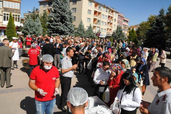 Akşehir Belediyesinden aşure ikramı