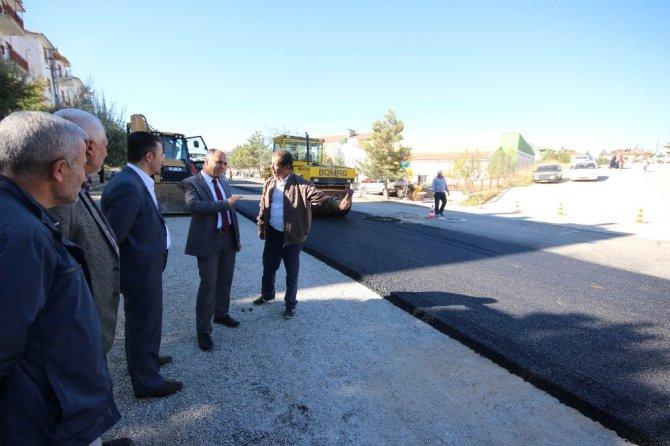 Başkan Özaltun, asfalt çalışmalarını inceledi