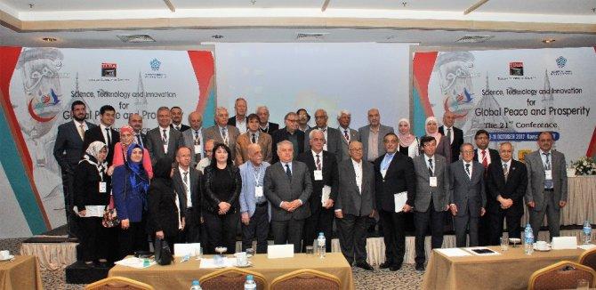 Konya'da İslam Dünyası Bilim Akademisyenleri konferansı sona erdi