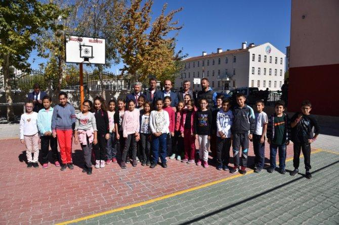 Başkan Altay, öğrencilerin davetini kırmadı