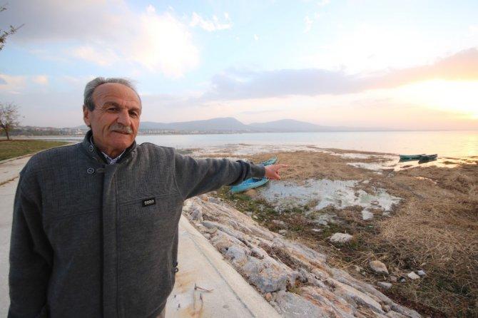 Beyşehir Gölü'nde su seviyesi düşünce küçük adacıklar ortaya çıktı