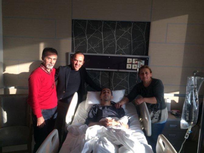 (Düzeltme) Mehmet Özdilek'in yardımcısı gol sevinci yaşarken aşil tendonunu yırttı