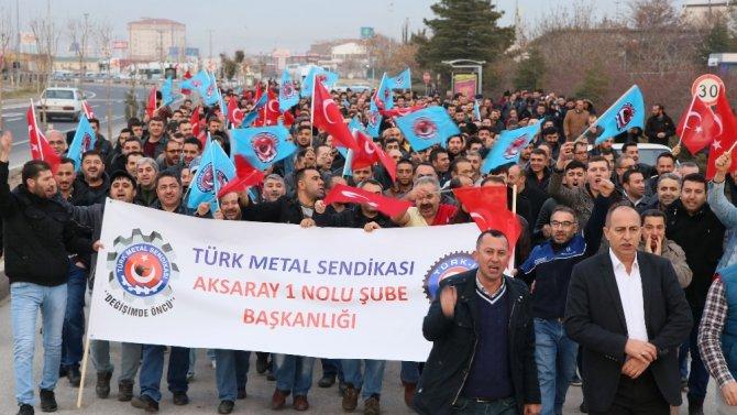 Aksaray'da işçiler zam ve sosyal hakları için yürüdü