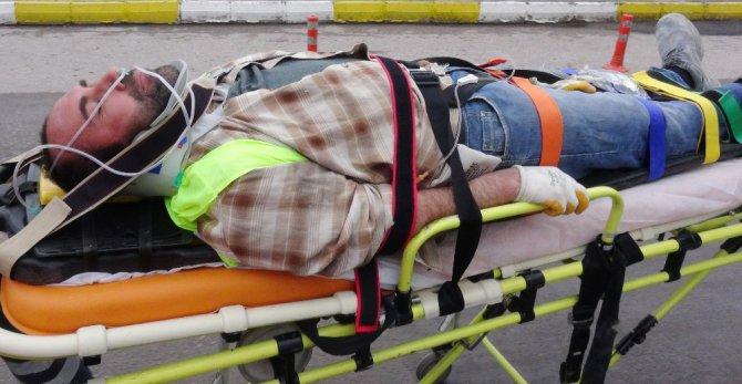Aksaray'da inşaat iskelesinden düşen 2 işçi yaralandı