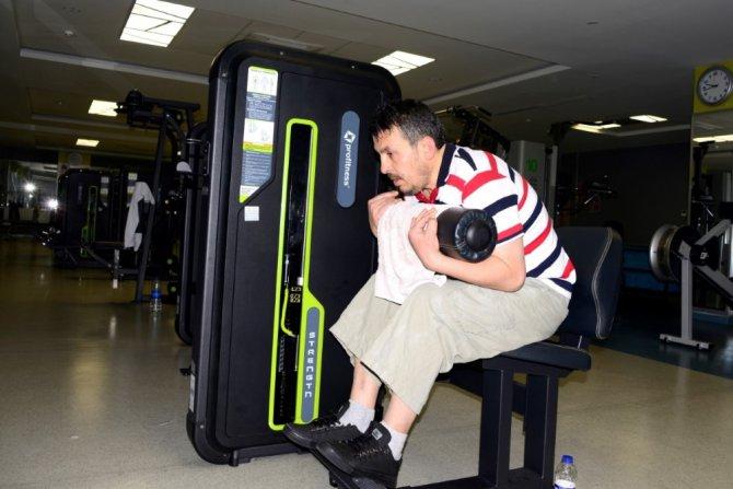Görme engelli adamın spor aşkı engel tanımyor