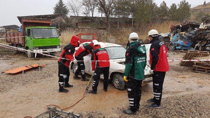AFAD'dan İHH personeline arama kurtarma eğitimi