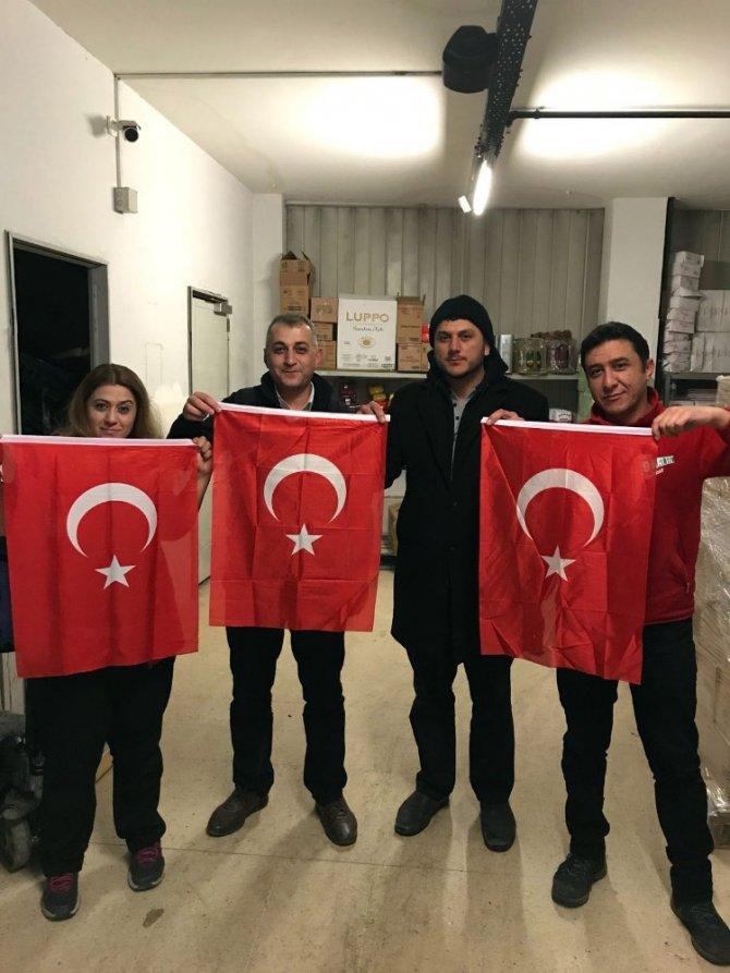 Konya'daki bütün camilerde Türk Bayrağı dalgalanacak