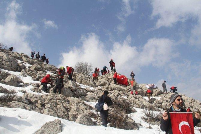 Dağcılar ve doğaseverler Afrin şehitleri için tırmandı