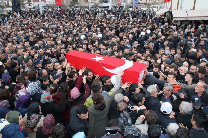 Kazada şehit olan Konyalı polis son yolculuğuna uğurlandı