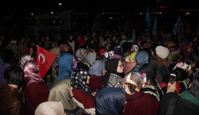 """Konya'dan """"Vicdan Konvoyu"""" yola çıktı"""
