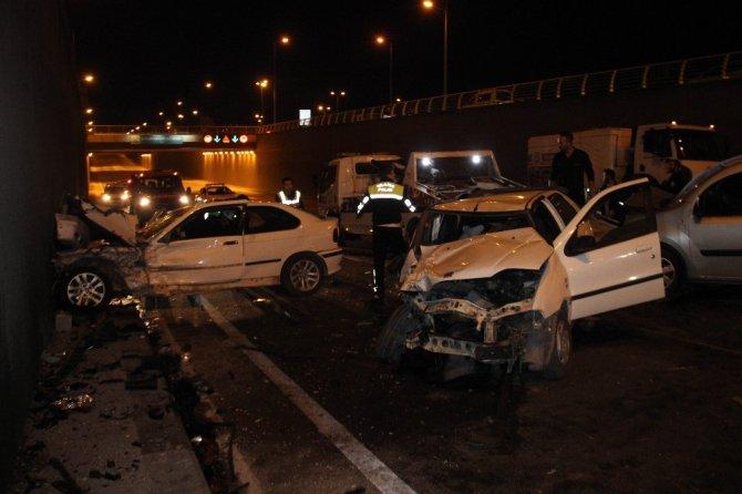 Konya'da zincirleme kaza: 3'ü polis 7 yaralı