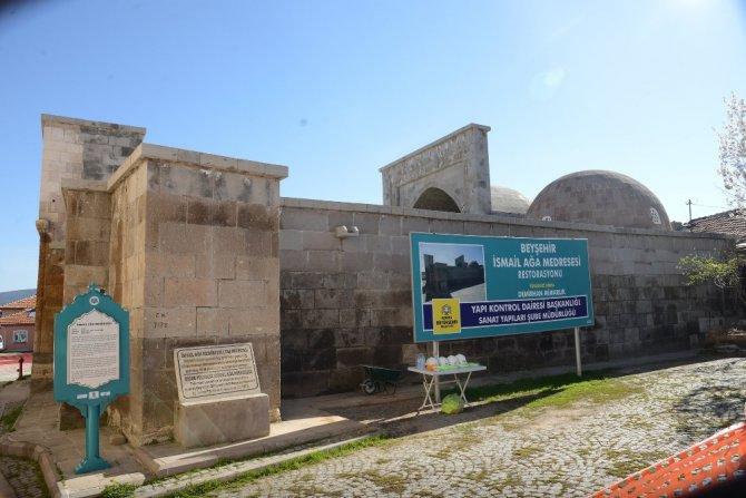 Eşrefoğlu Bedesteni ve çevresinde restorasyon çalışması başladı