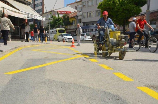 Ereğli Belediyesi yol çizgi çalışmalarını sürdürüyor