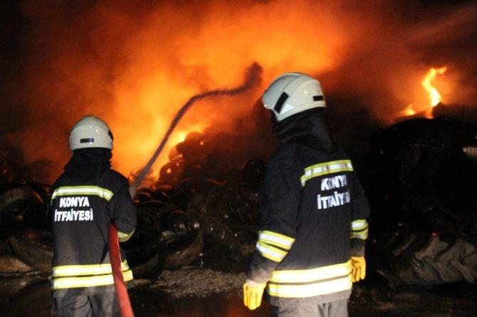 Lastik deposundaki yangın 2 saatte söndürüldü