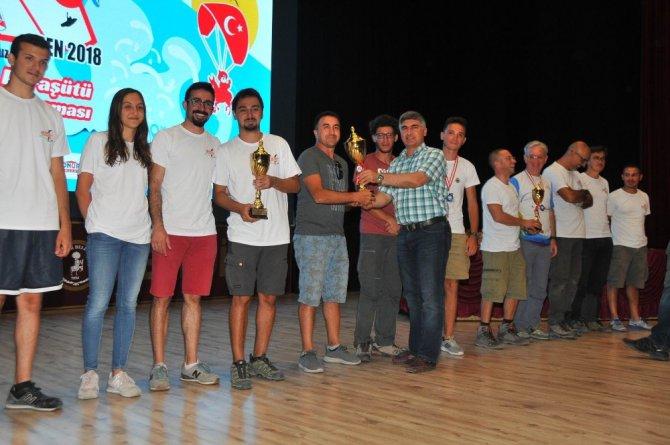 Akşehir yamaç paraşütü yarışmaları sona erdi