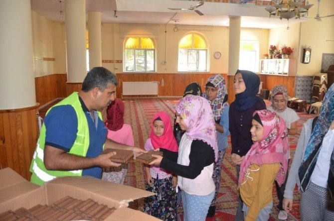 Ereğli Belediyesinden çocuklara hediye