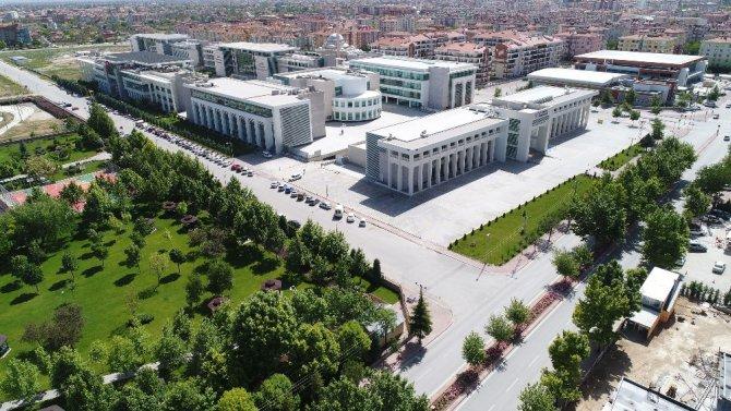 Türkiye'nin en çok burs veren 8'inci üniversitesi KTO Karatay