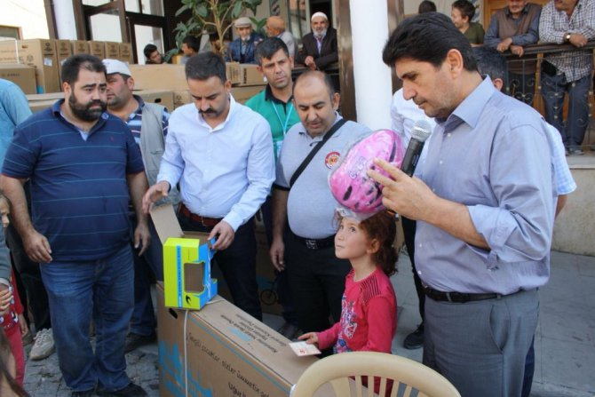 Derbent'li çocuklar bisikletlerini aldı