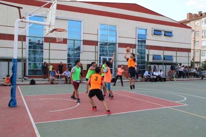 Akşehir'de sokak basketbolu turnuvası sona erdi